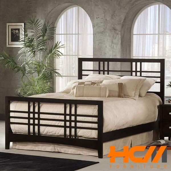 Giường sắt vân gỗ đẹp kiểu cổ điển
